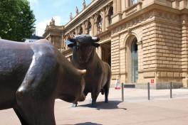 Aktien Frankfurt Schluss: Dax nach volatilem Feiertagshandel leicht im Minus