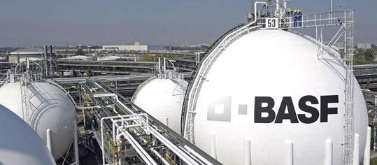 ANALYSE-FLASH: Bernstein senkt Ziel für BASF auf 54 Euro - 'Market-Perform'