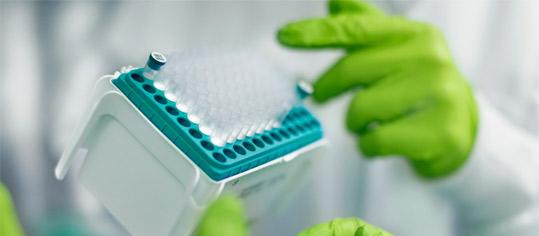 Testumfeld in BioNTech-Labor.