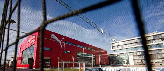 ROUNDUP: Gucci-Eigner Kering setzt schrittweisen Ausstieg bei Puma fort