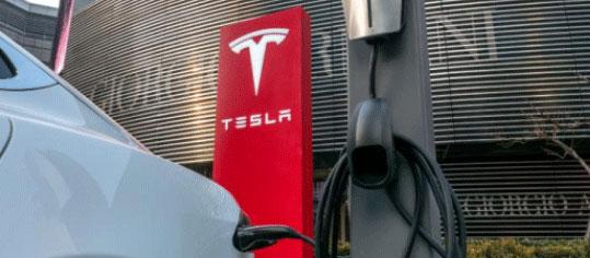 JPMorgan belässt Tesla auf 'Underweight' - Ziel 240 Dollar