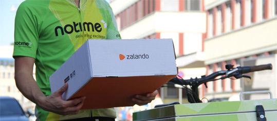 Zalando-Zusteller in der Schweiz.