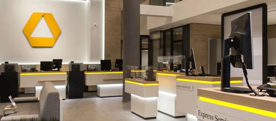 ROUNDUP: Commerzbank zum Jahresauftakt mit Gewinneinbruch