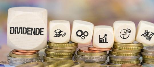 Monatlich Geld aufs Konto - diese 3 Aktien machen es möglich!