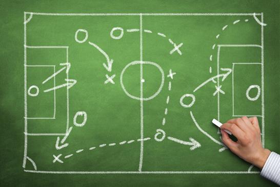 Bild zeigt eine Fußballtaktiktafel