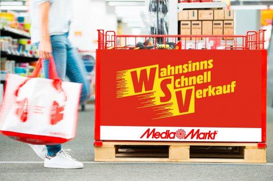 Werbeschild von Media Markt für den Winterschluss-Verkauf